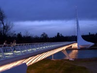 Sundial Bridge at night