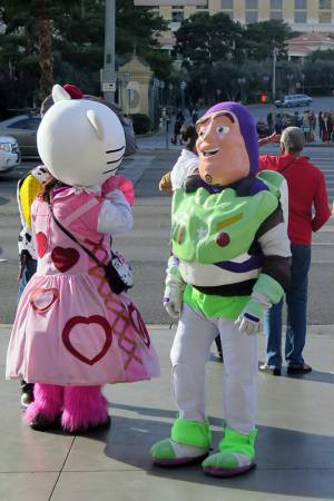 18_Buzz_and_Friend