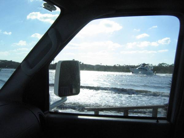 Boat traveling on Florida's Intracoastal Waterway.