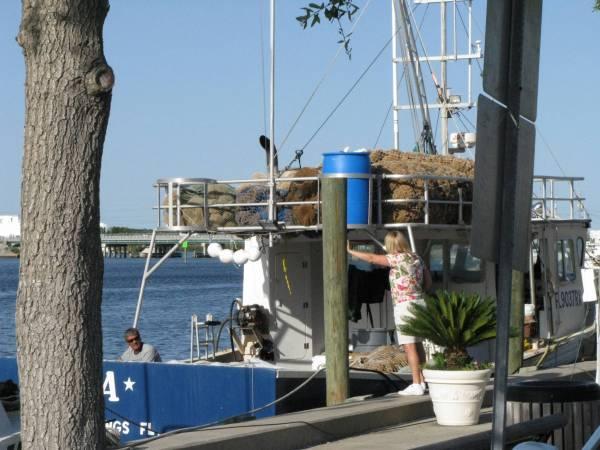 Sponge boat along famous Sponge Docks at Tarpon Springs.
