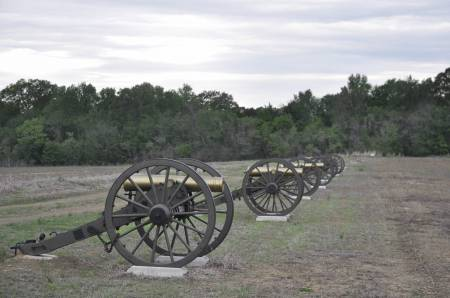 Union artillery on the battlefield at Raymond