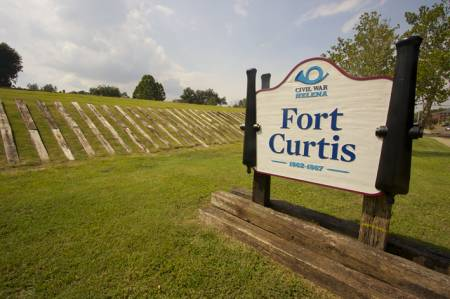 Fort Curtis, Helena