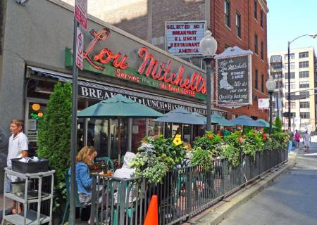 Lou Mitchell's, Chicago