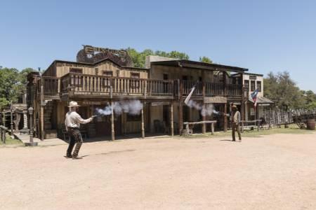 outlaw shootout