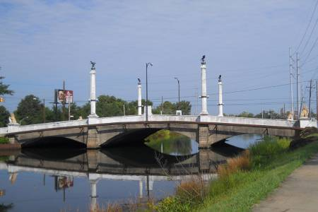 butt bridge