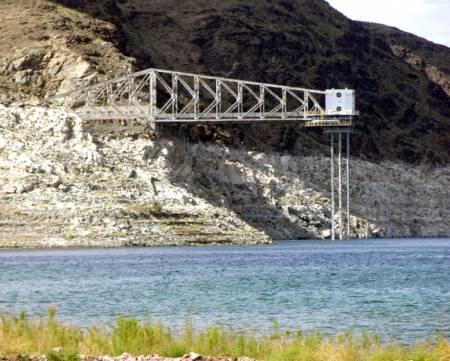 Las_Vegas_Water_Supply_Straw_Lake_Mead