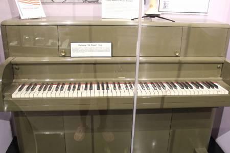 A GI piano, WWII