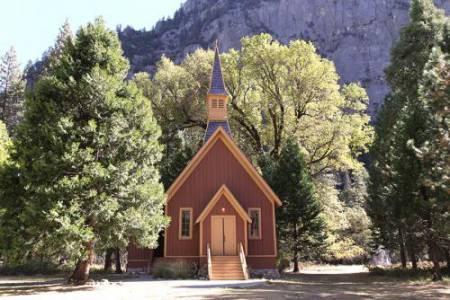 12_Yosemite_Chapel