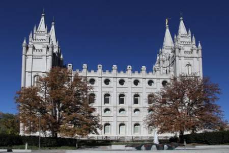 19_Mormon_Temple