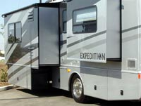 Motorhome with slide-outs